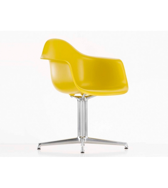 Eames plastic armchair dal vitra milia shop for Chaise longue plastique