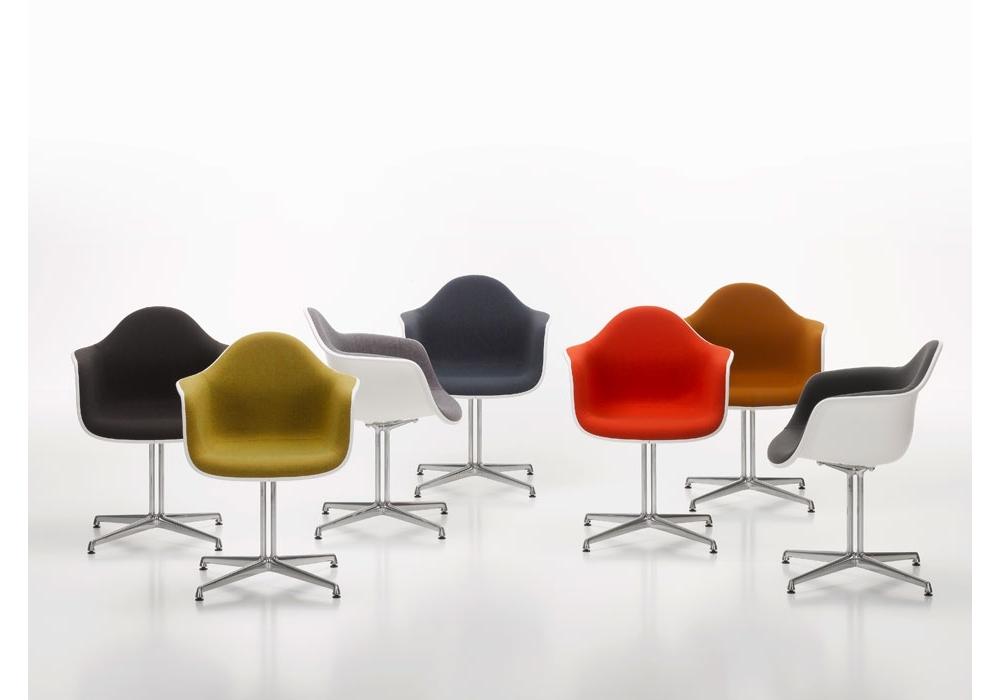 Vitra Sedia A Dondolo Eames Plastic Armchair Rar : Vitra rar elegant today the plastic chairs number among the most