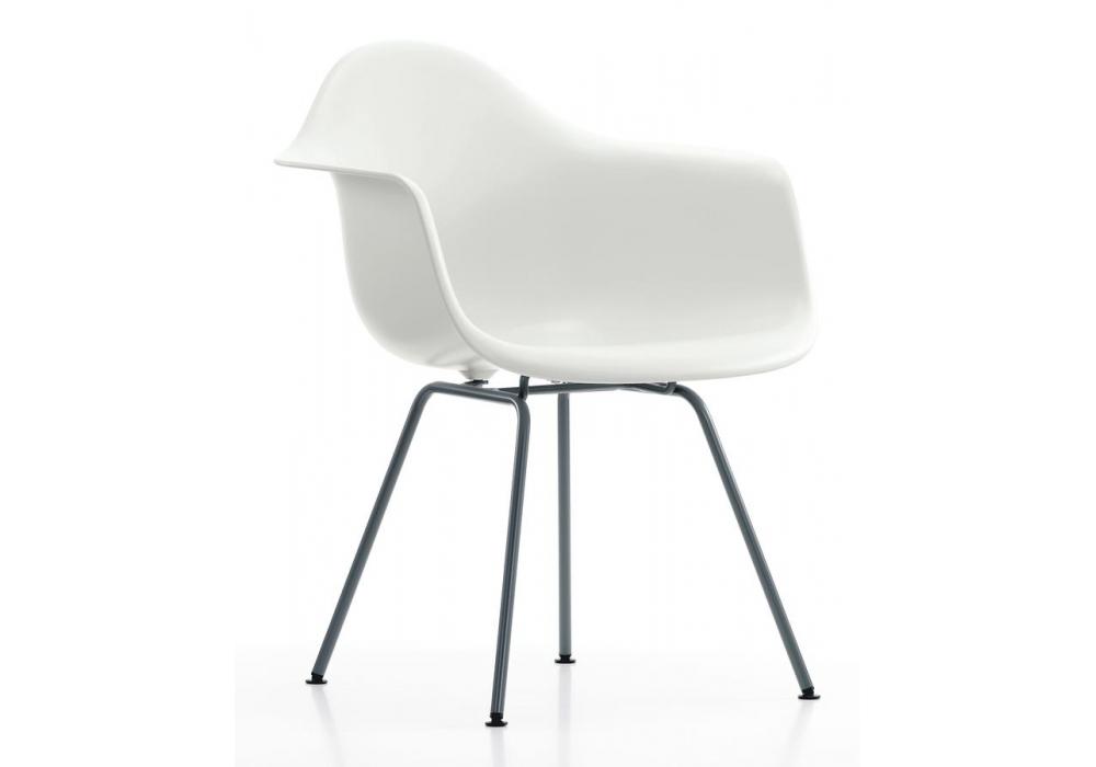 Eames plastic armchair dax vitra milia shop for Chaise longue eames
