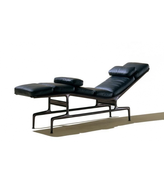 Soft pad chaise es 106 chaise longue vitra milia shop for Prix chaise eames vitra