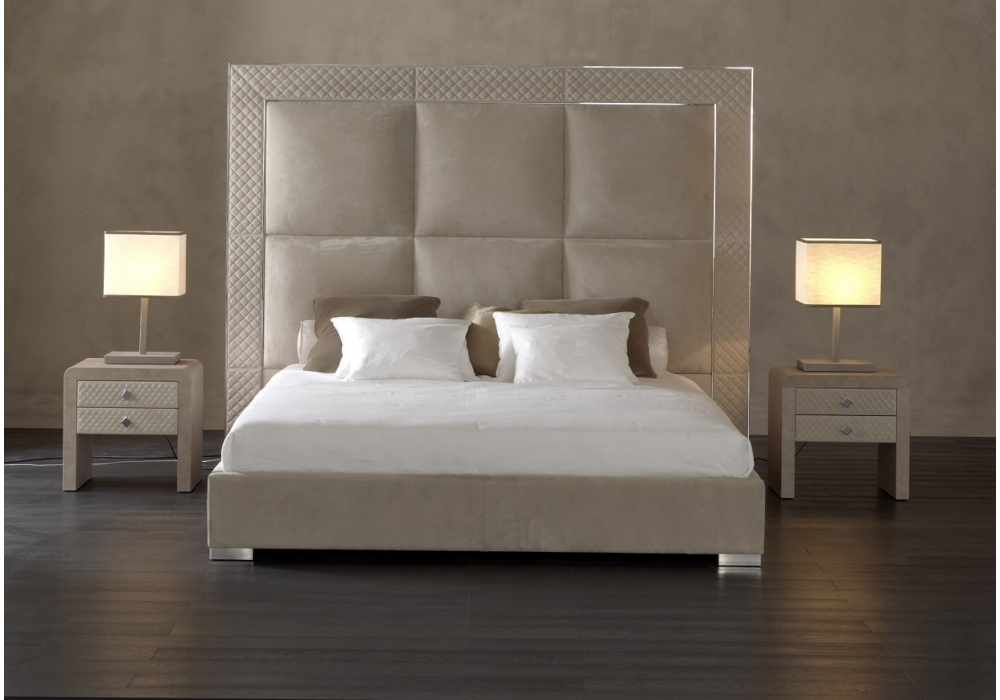 aura lit avec t te de lit haute rugiano milia shop. Black Bedroom Furniture Sets. Home Design Ideas