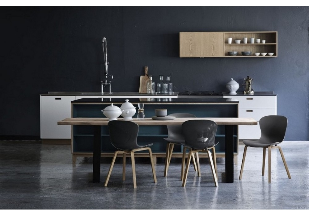 nap holzbeine stuhl fritz hansen milia shop. Black Bedroom Furniture Sets. Home Design Ideas