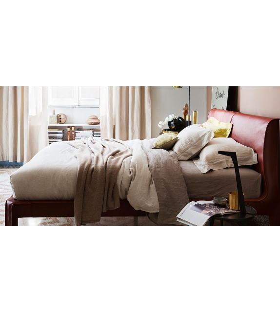 L50 Cab Night Bed Cassina