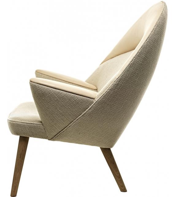 PP521 Upholstered Peacock Poltrona PP Møbler