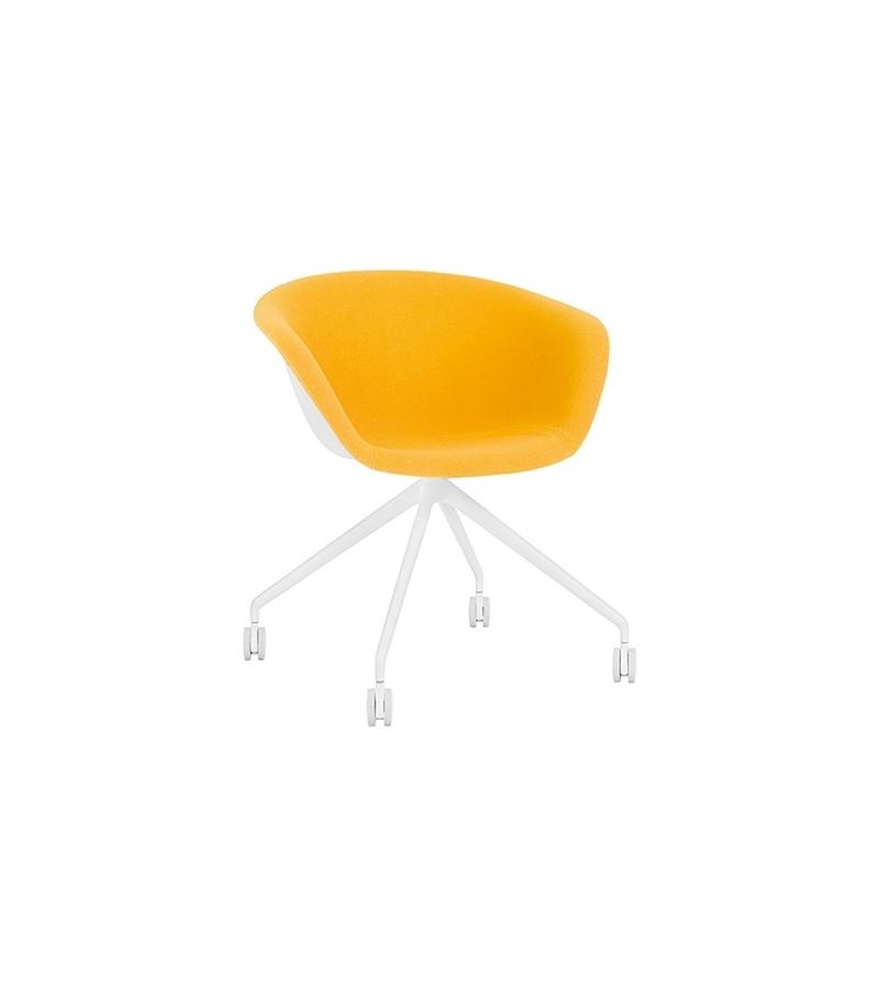 Duna 02 Arper Sessel Auf Fixem Spinnenfuß mit Spiegelpolster