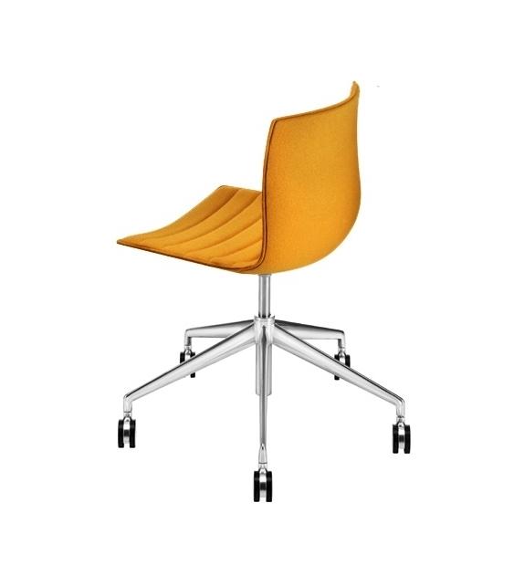 Catifa 46 Arper Gepolstert Stuhl mit Fünfstrahligem Gestell