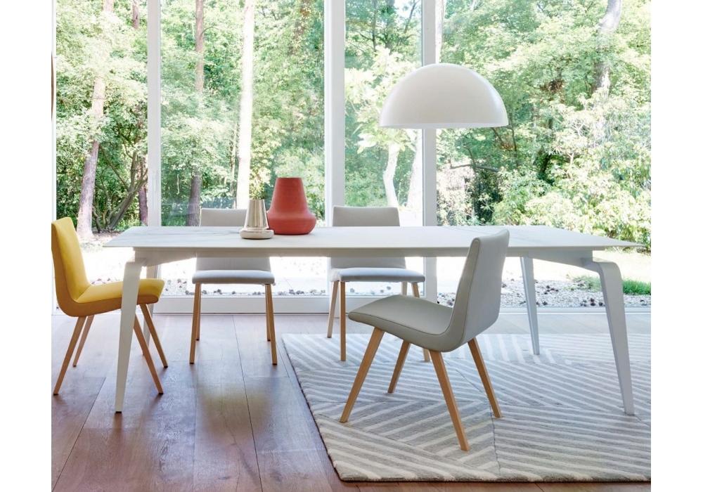 odessa ligne roset table with top in ceramic stoneware. Black Bedroom Furniture Sets. Home Design Ideas
