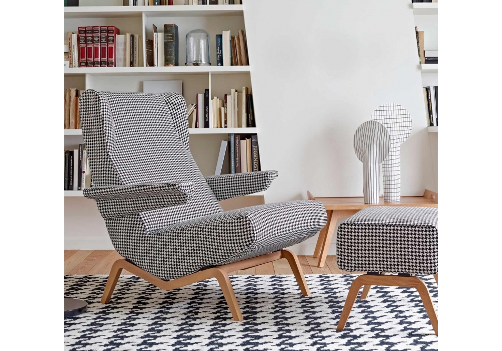 archi ligne roset fauteuil avec base en bois milia shop. Black Bedroom Furniture Sets. Home Design Ideas