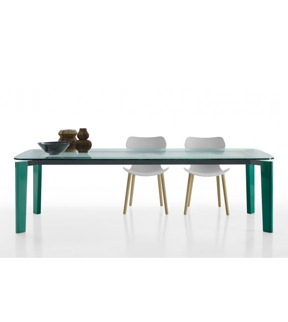 oskar b b italia tisch mit glasplatte milia shop. Black Bedroom Furniture Sets. Home Design Ideas