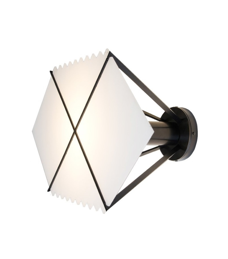 Black hole atelier areti wall lamp