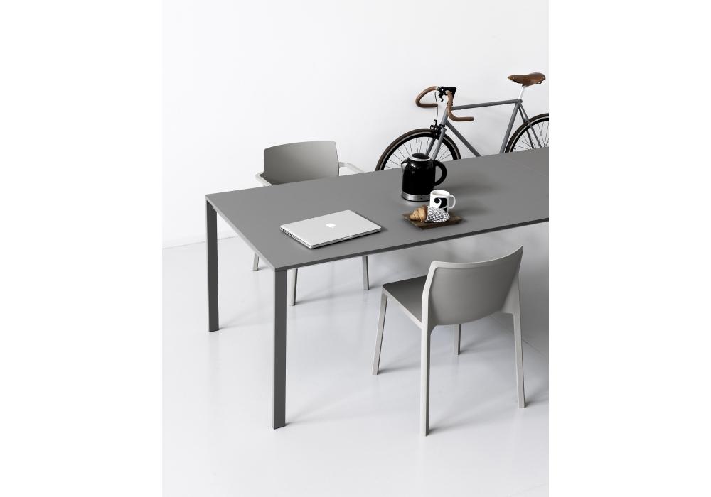 be easy tisch kristalia milia shop. Black Bedroom Furniture Sets. Home Design Ideas