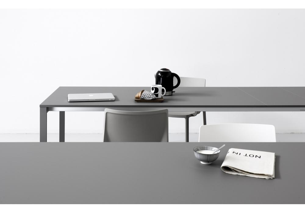 Be easy table kristalia milia shop for Table extensible kristalia