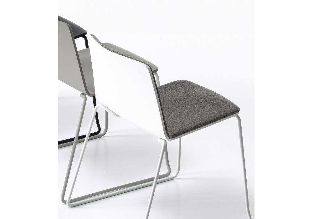 Rama Kufen Stuhl Bedeckt Mit Armlehnen Kristalia Milia Shop