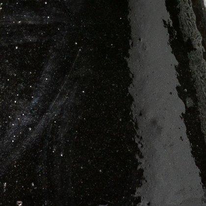 schwarzer Keramik