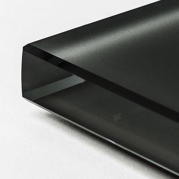 Cristal extraclaro al ácido pintado negro